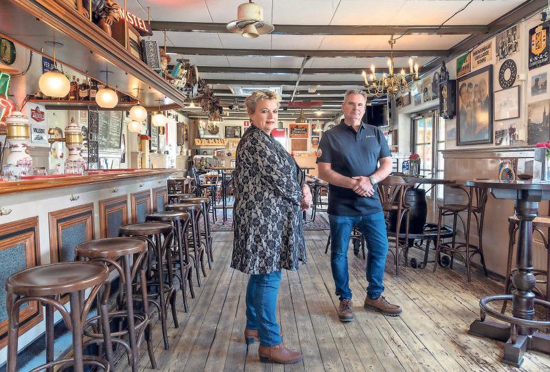 Gudy en Jeroen in Café de Knip